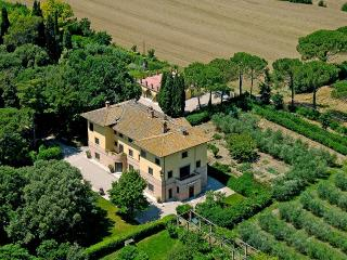 Villa de Angelis, Sleeps 19 - Perugia vacation rentals
