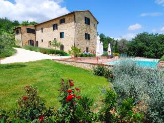 Villa Salute, Sleeps 10 - Siena vacation rentals