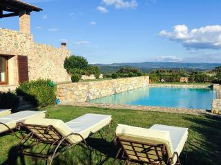 Gorgeous Villa with Internet Access and Television - Montalcino vacation rentals