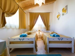 Nice Bed and Breakfast with Housekeeping Included and Television - Ittiri vacation rentals