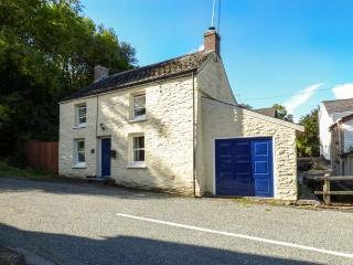 STAR MILL COTTAGE, detached cottage, woodburner, alongside stream near Cardigan, Ref: 13722 - Ceredigion vacation rentals