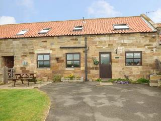WHALEBONE COTTAGE, pet friendly, character holiday cottage, with a garden in Whitby, Ref 1465 - Whitby vacation rentals