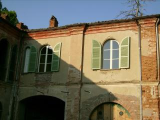 Farmhouse in Central Piedmont, Northern Italy - Brozolo vacation rentals