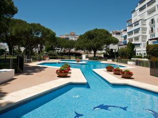 Offers, Beachfront, Club Playas del Duque3...WiFi - Puerto José Banús vacation rentals