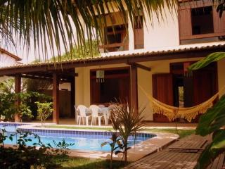 Bright 4 bedroom House in Praia do Forte - Praia do Forte vacation rentals