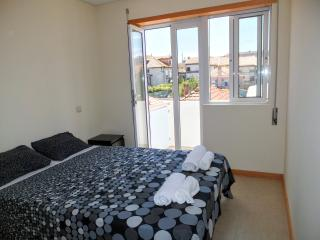 Bright Condo with Internet Access and Balcony - Vila Nova de Gaia vacation rentals