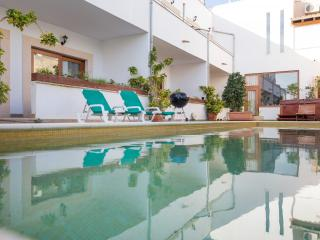 Nice 3 bedroom Ses Salines Chalet with Internet Access - Ses Salines vacation rentals