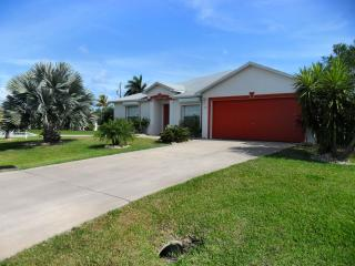Perfect 3 bedroom Cape Coral House with Internet Access - Cape Coral vacation rentals