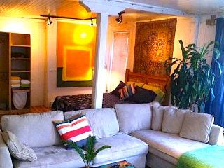 COZY 1 BEDROOM  LOFT GREAT LOCATION ON PLATEAU #4 - Montreal vacation rentals