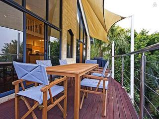 Perfect 3 bedroom Ardross House with A/C - Ardross vacation rentals