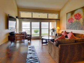 Lovely lakefront condo for eight w/ shared pool & hot tub - Chelan vacation rentals