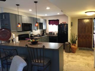 Vacation rental,newely remoled,community pool&spa - Cave Creek vacation rentals