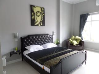 bangsaray luxury 4 bed pool villa - Pattaya vacation rentals