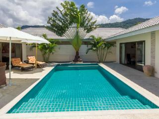 Villa 4 P with private pool - Maret vacation rentals