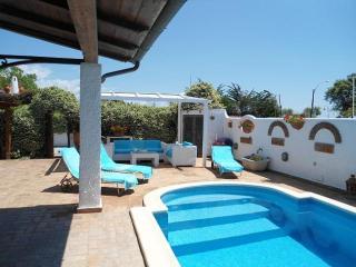 Splendida casa con piscina a 10 metri dal mare - San Felice Circeo vacation rentals
