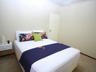 Parkview Leeming (Free Wi-Fi + Sparkling Pool) - Perth vacation rentals
