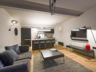COVENT GARDEN APARTMENT 2 - London vacation rentals
