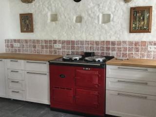 Jasper's Cottage - large detached studio & garden - Gorron vacation rentals