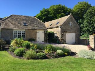 Nice Barn with Internet Access and Central Heating - Duntisbourne Abbots vacation rentals