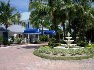 Olde Marco! Great December Holiday Rates! - Marco Island vacation rentals