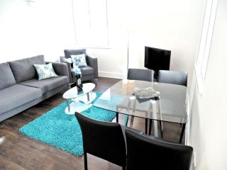 Still Life Fitzrovia Deluxe Two-Bedrooms Apartment - London vacation rentals