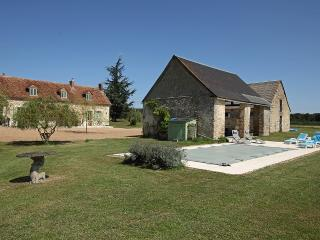 5 bedroom Farmhouse Barn with Satellite Or Cable TV in Mouliherne - Mouliherne vacation rentals