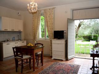 Apt Monolocale Marica - Il Pignocco Country House - Pesaro vacation rentals
