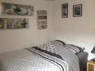 chambre meublée tout confort, SDB attenante - Wattrelos vacation rentals