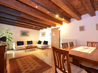 AUDREY - in the triangle Rialto-Saint Mark-Accademia, 2beds, 2bath, wifi, aircnd - Venice vacation rentals