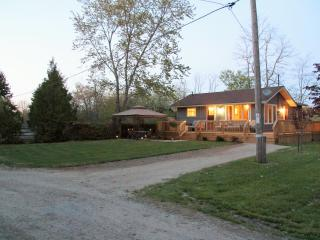 Cozy Cottage with Deck and Internet Access - Goderich vacation rentals