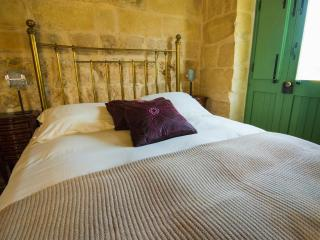 The Burrow Second Floor Double/Twin Ensuite Shower - Tarxien vacation rentals