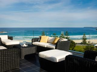 BONDI BREAKER - Contemporary Hotels - Bondi Beach vacation rentals