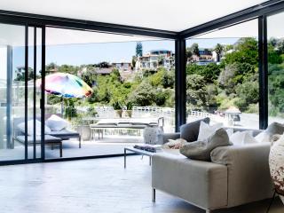 THE PACIFIC TAMARAMA - Contemporary Hotels - Bondi vacation rentals