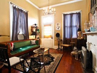 Beautiful Home-10mins from FQ Ferry - New Orleans vacation rentals