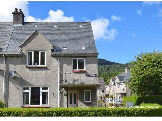 Cozy 3 bedroom Lochgoilhead House with Television - Lochgoilhead vacation rentals