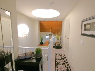 Charming 2 bedroom Townhouse in Gibsons - Gibsons vacation rentals