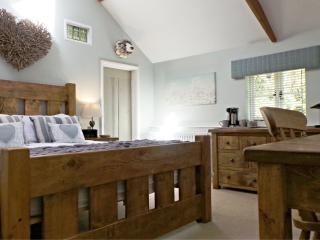 Button Cottage, Norfolk Retreat - Foulsham vacation rentals