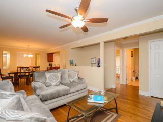 Amazing 4 BDR Atlanta Home, Sleeps 14 - Decatur vacation rentals