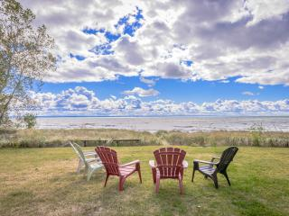 Gorgeous, Private Beachfront Cottage - Crystal Beach vacation rentals