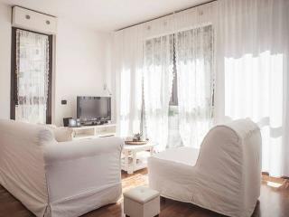 Casa Ada romantic and bright flat in Lecco - Lecco vacation rentals