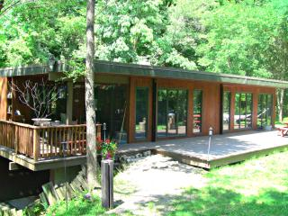 Exclusive Kinnickinnic Canyon Riverfront Retreat - River Falls vacation rentals
