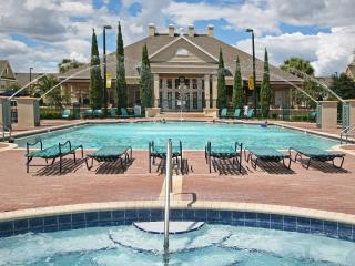 MINUTES TO DISNEY, 3 BEDROOMS 2 BATH TOWNHOUSE - Kissimmee vacation rentals
