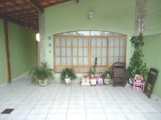 Linda Casa para Temporada com 2 dorm - Praia Grande vacation rentals