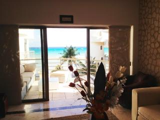 2 bedrooms apartment. Sea view - Playa del Carmen vacation rentals