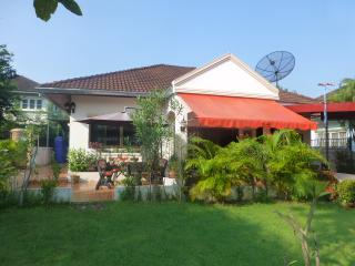 2 Double bedroom Villa with Garden - Udon Thani vacation rentals