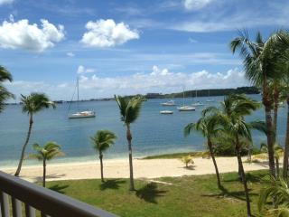 Agréable studio 2 pers vue lagon au 2° étage - Baie Nettle vacation rentals