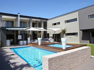 Exquisite 5 bedroom House to rent in Durbanville - Durbanville vacation rentals