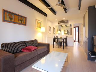 APARTMENT LA LONJA-BALUARD. OLD TOWN I.  R. 00003 - Palma de Mallorca vacation rentals