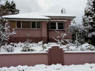 Perfect House with Deck and Patio - Katoomba vacation rentals
