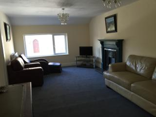 Cozy 2 bedroom Vacation Rental in Rostrevor - Rostrevor vacation rentals